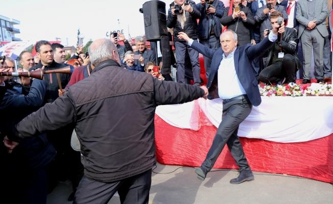 Muharrem İnce Tekkeköy'de cigoş oynadı