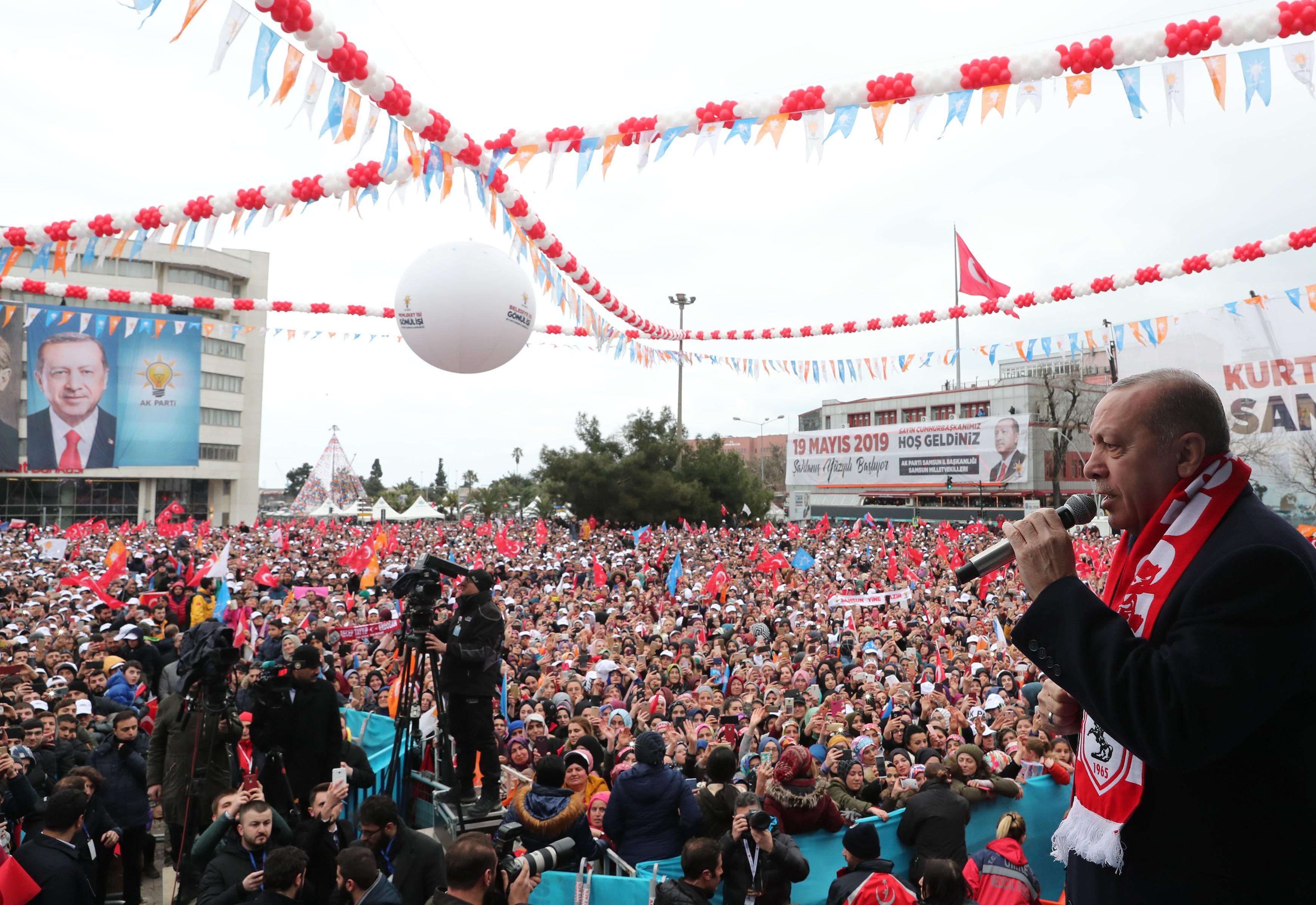 """Cumhurbaşkanı Erdoğan: """"Bizim için anketçilerin değil milletin sözü önemlidir"""""""
