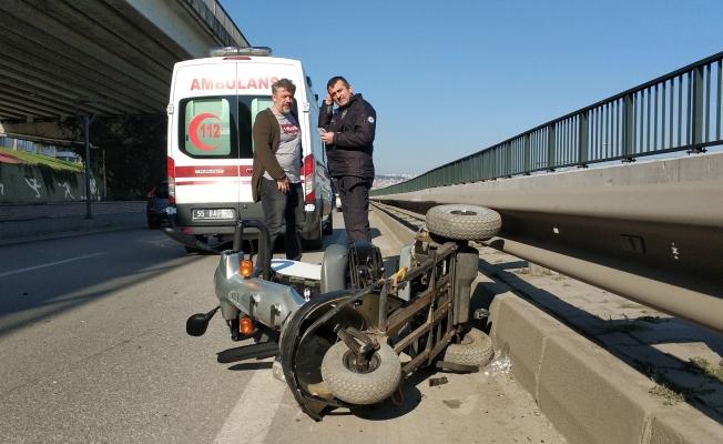 Otomobil engelli aracına çarptı: 1 yaralı