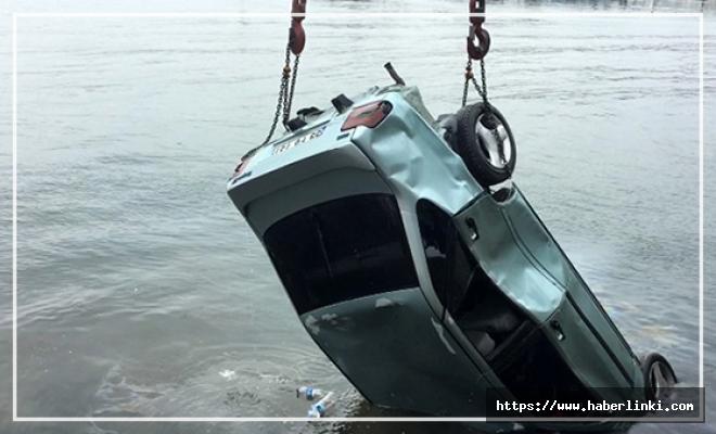 Alkollü Sürücü Denize Uçtu