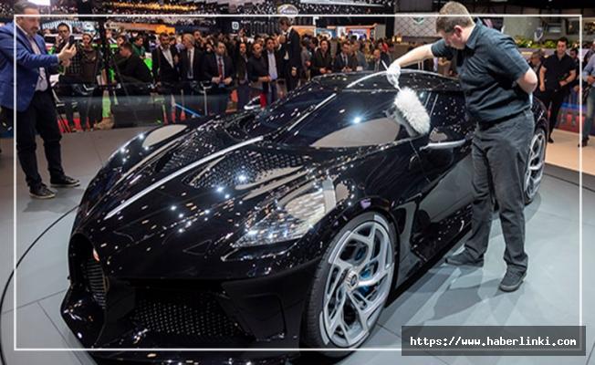 Ronaldo dünyanın en pahalı otomobili La Voiture Noire'i satın aldı