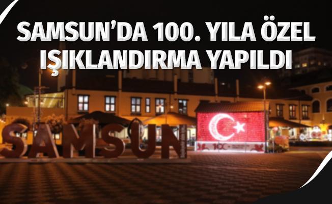 Samsun'da 100. yıla özel ışıklandırma yapıldı