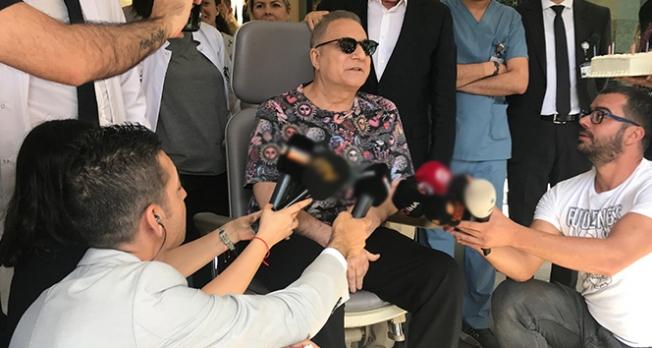 Ünlü şovmen Mehmet Ali Erbil taburcu oldu