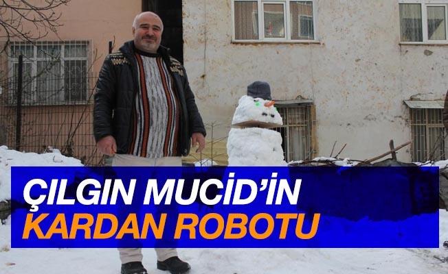 Çılgın mucidin kardan robotu
