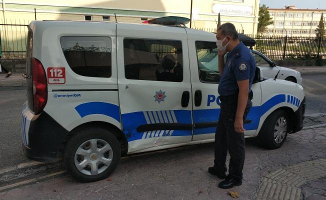 Samsun'da polis aracına hafif ticari araç çarptı