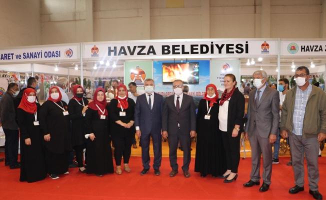 """Başkan Özdemir: """"Ekonomiye katkı sunmak isteyen kadınlarımızın yanındayız"""""""