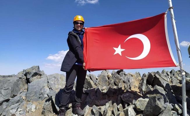 Büşra öğretmen Kaçkar'da zirve yaptı, hedefi Ağrı Dağı