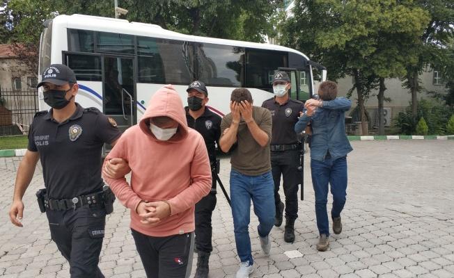 Samsun'da uyuşturucu ticaretinden 3'ü kamu görevlisi 6 kişi adliyeye sevk edildi