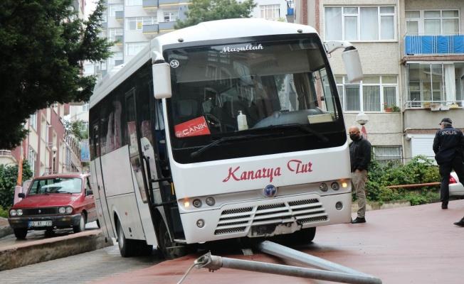 Tehlikeli yokuşta yine trafik kazası