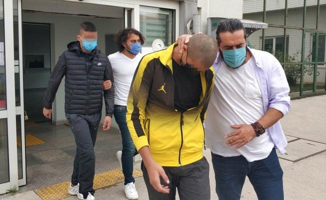 Tur firmasını kurşunlayan 16 yaşındaki 2 kişi yakalandı