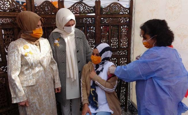 Emzirme Haftası'nda gebelere korona aşısı