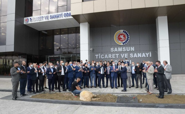 Yeni binada ilk meclis dualarla kurban kesilerek yapıldı