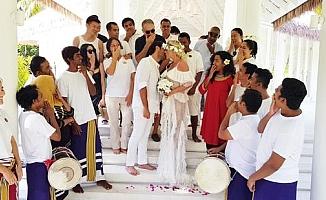 Ünlü çift Maldivler'de nikah tazeledi