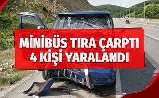 Samsun'da minibüs tıra çarptı: 4 yaralı