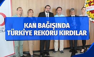 Kan bağışında Türkiye rekoru kırdılar