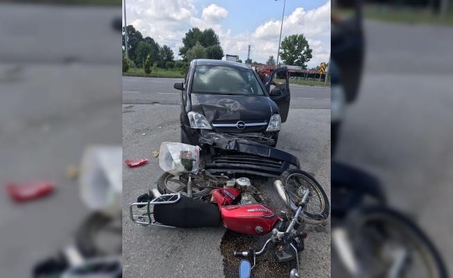 Samsun'da hafif ticari araçla motosiklet çarpıştı: 1 yaralı