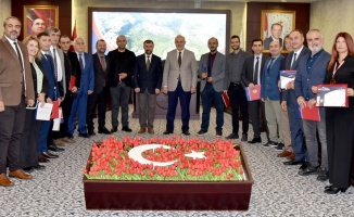 Rektör Ünal, ISIF 2021'den ödül alan akademisyenleri kutladı