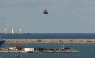 Sahil güvenlik helikopterinden nefes kesen eğitim